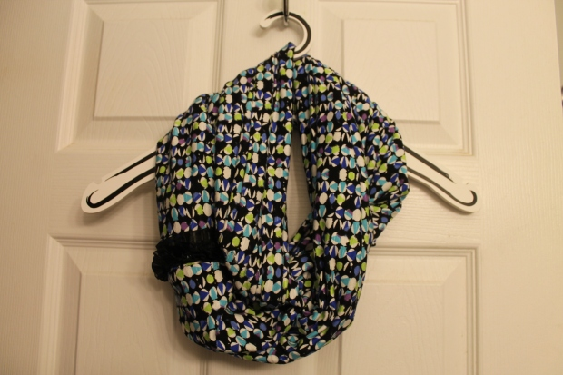 DIY - Infinity Scarf - Practice #1 - Candy Coated Culinista