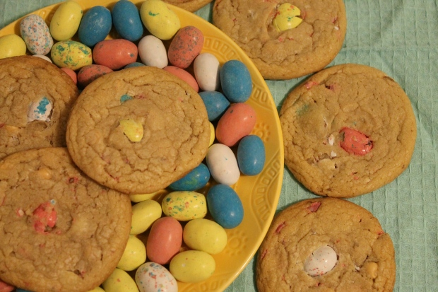 Easter Whopper Robin Eggs & Butterscotch Cookies - Candy Coated Culinista