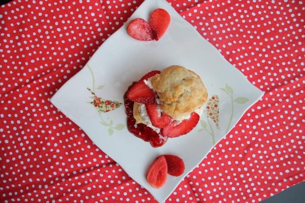 Strawberry Shortcake with Vanilla Cream - Candy Coated Culinista
