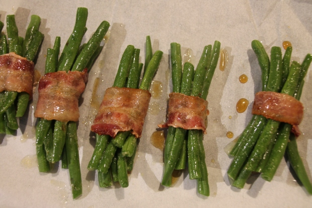 Green Bean Maple Bacon Bundles - Candy Coated Culinista